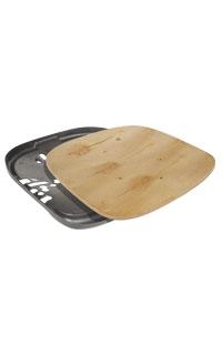 Grande de madera con cubierta